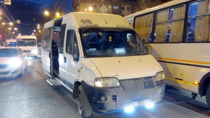 В Тольятти под колесами машрутки погиб 85-летний пенсионер