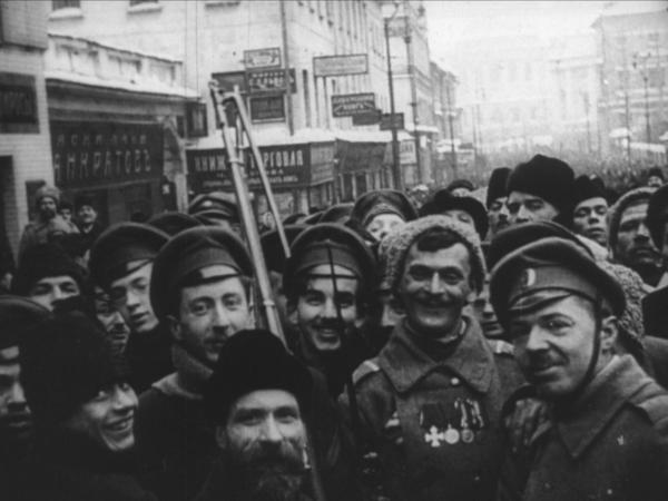 Из собрания Российского государственного архива кинофотодокументов (РГАКФД)