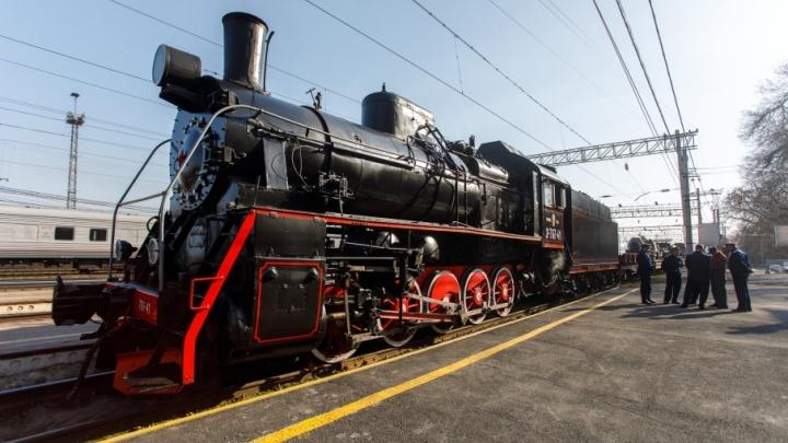 Военный эшелон времен войны завершает путешествие по Волгоградской области