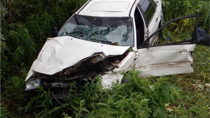 В Холмогорском районе водитель «Фольксвагена» погиб на дороге, не справившись с управлением