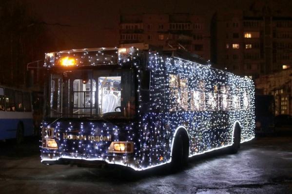 На декабрь места в «волшебном троллейбусе» раскупили