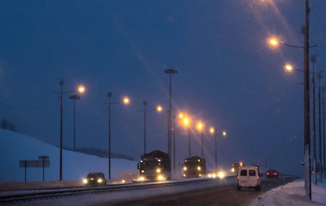 Дорожники реконструируют мост через реку Исакогорку