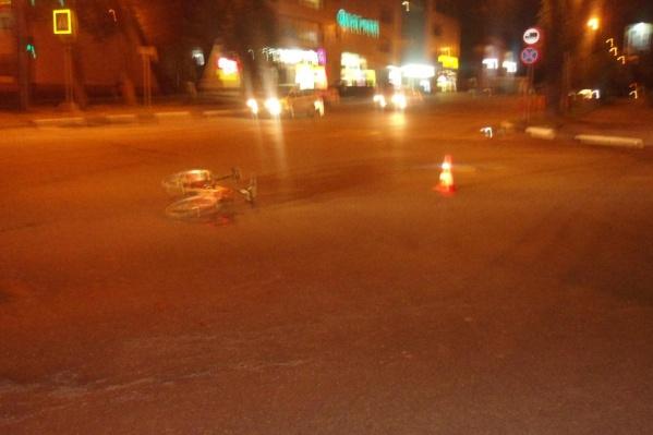 Девушка за рулем иномарки сбила велосипедиста-нарушителя