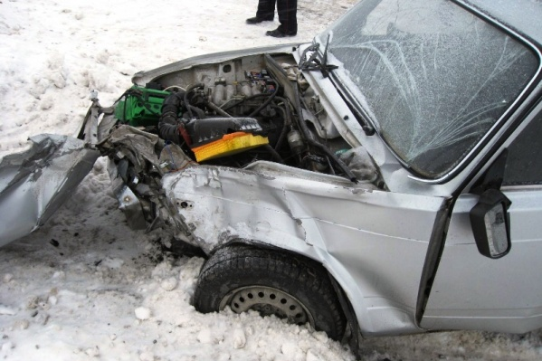 Водитель ВАЗ-2104 не пропустил иномарку