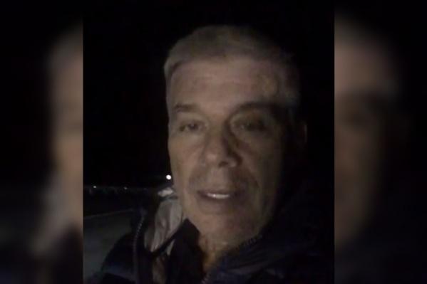 Олег Газманов предупредил о яме на трассе в Березниках