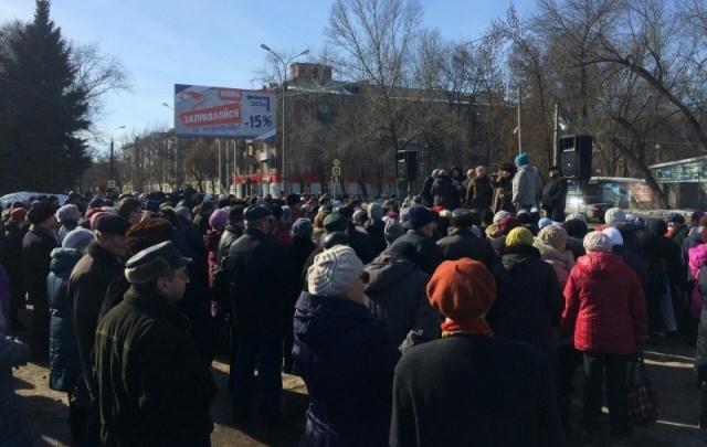В Самарской области несколько сотен человек вышли на митинги за возврат льгот пенсионерам