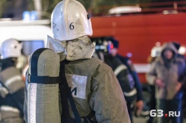 На ЧП выезжали 64 пожарных