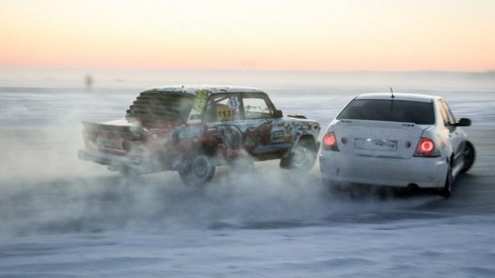 Клубы снега из-под колёс и рёв моторов: на Балтыме прошли соревнования по дрифту