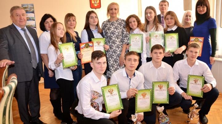 Юные пожарные Аксайской средней школы №4 стали победителями всероссийского конкурса