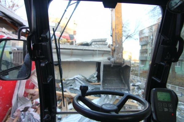 Здание шинного центра попало под снос