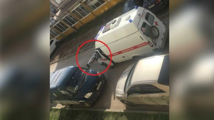 Следственный комитет: в Перми мужчина выпал из окна высотки