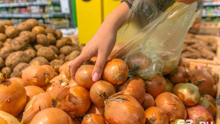 В Самарской области после праздников выросли цены на лук, картофель и помидоры