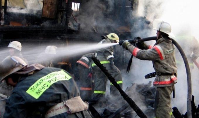 В Красноармейском районе Волгограда сгорел магазин «Семейка»