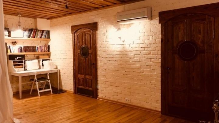 Подвесной камин и дубовая купель: сколько стоит арендовать самый дорогой коттедж в Архангельске