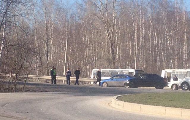 В Самарской области полиция перекрывала трассу в поселке Волжском из-за подозрительной коробки
