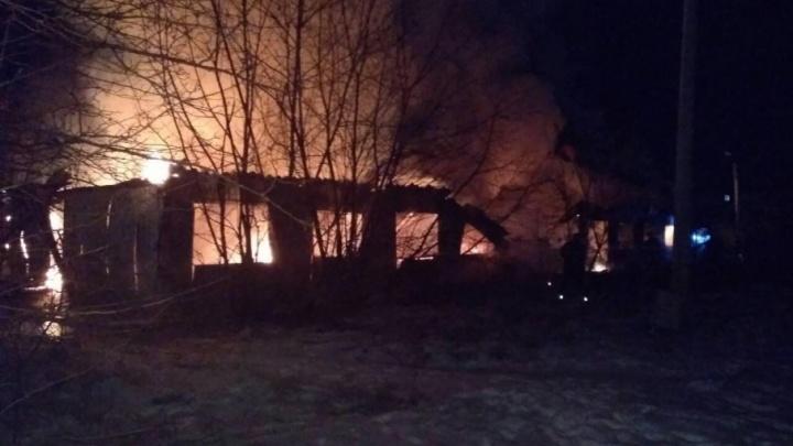 В Прикамье сгорел жилой барак: четыре человека погибли