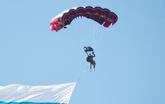 Лесной «спецназ» Поморья испытал партию новых парашютов