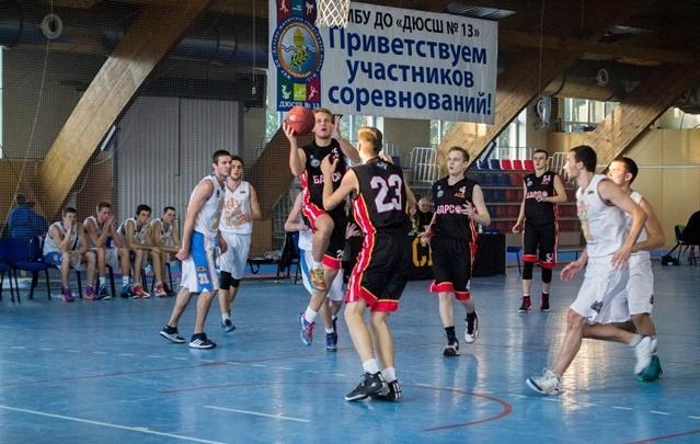Баскетбольная команда РИНХа вышла в лидеры студенческой лиги