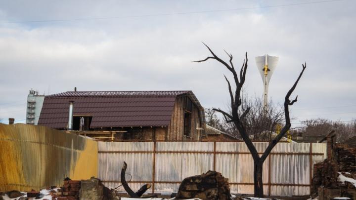 «Наше прошлое сожжено»: Театральный спуск через полгода после пожара