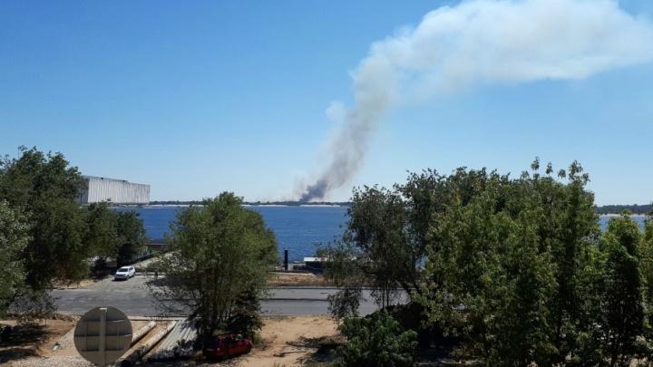 В Краснослободске тушат пожар рядом с храмом Святителя Николая