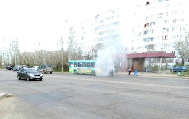 В Волжском загорелся автобус с пассажирами