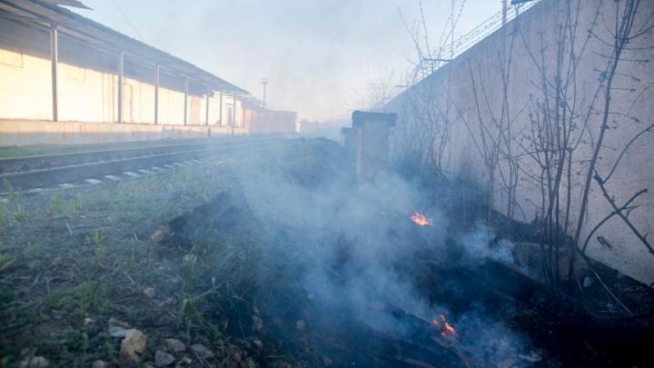 «Думаем, что это дети нашалили»: в Волгограде потушен пожар на заводе Ермана