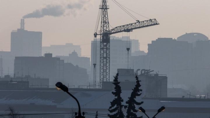 «Коркинский разрез влияет на экологию»: к тушению пожара привлекли более десятка человек