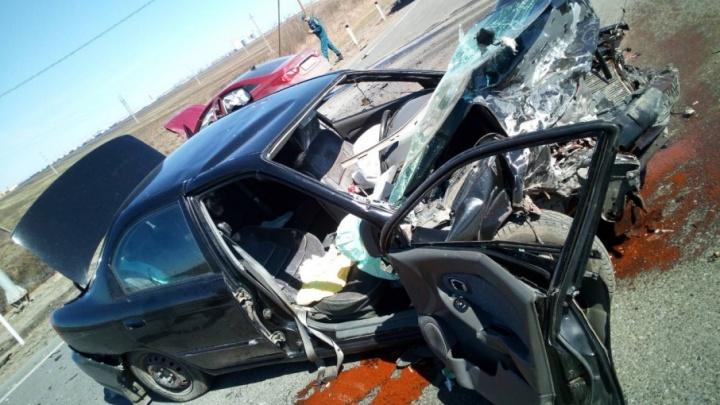 Четверых пострадавших в аварии на трассе Тюмень — Омск с переломами увезли в больницу