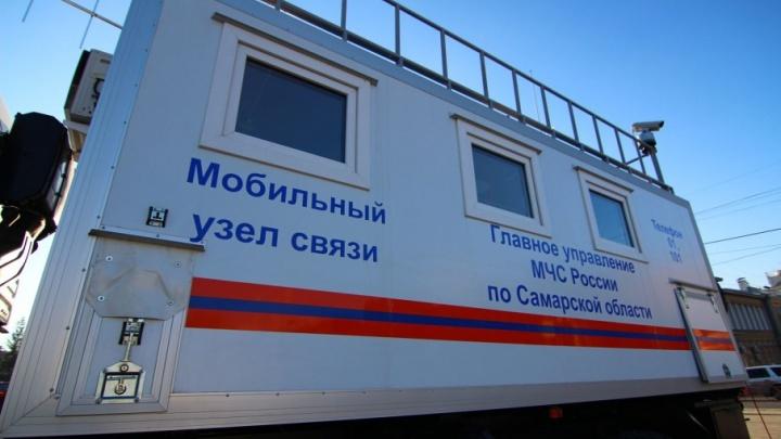 Под Сызранью восемь пожарных тушили автобус