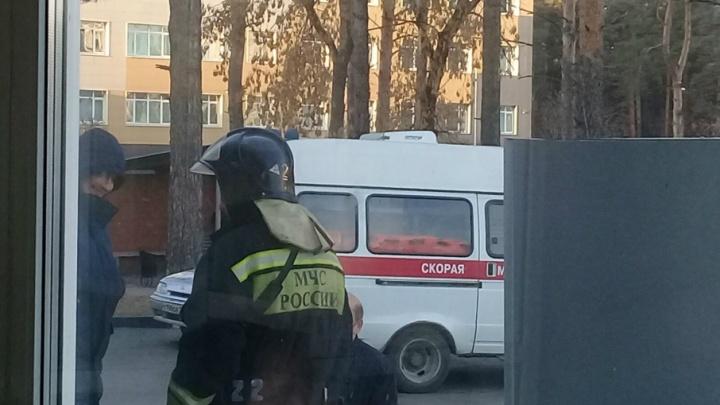 Силовики оцепили корпус челябинской больницы