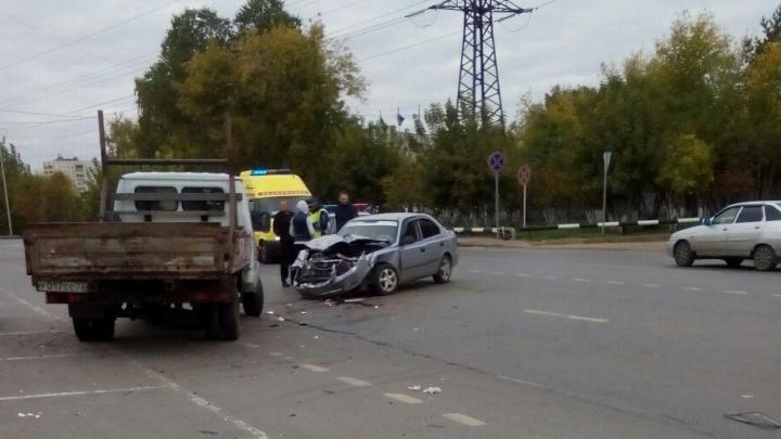 Тюменка сломала позвоночник в ДТП на Одесской