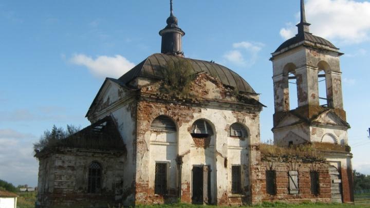 Заброшены и забыты: в Волгоградской области десятки древних храмов стали ненужными руинами