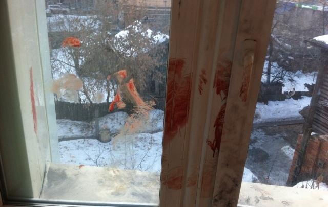 В тюменском общежитии студент устроил «кровавые разборки»