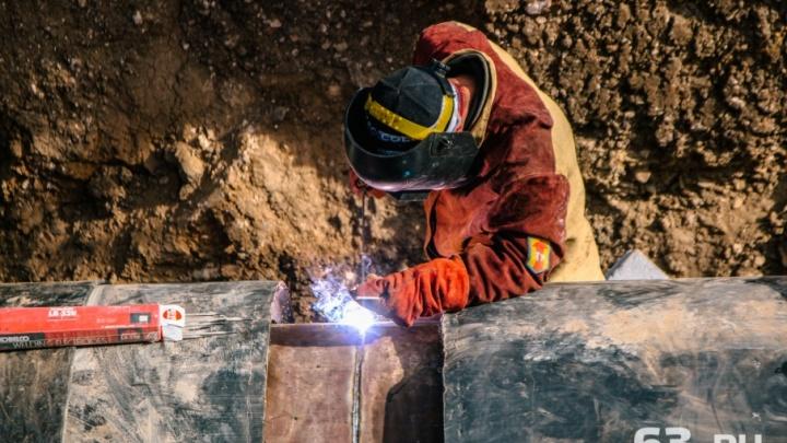 Работники ЖКХ приступили к ремонту теплотрассы на Физкультурной