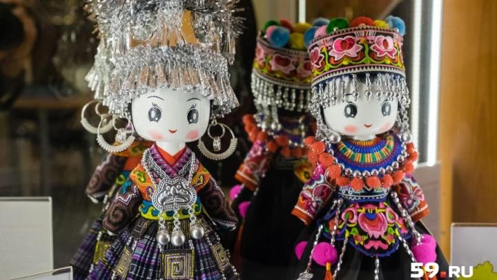 Лаху, пуми и дзинпо: в Перми открылся кукольный музей народов Китая