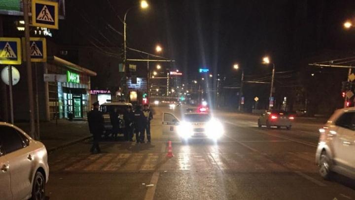 Школьник на Land Cruiser Prado сбил в центре Волгограда студента