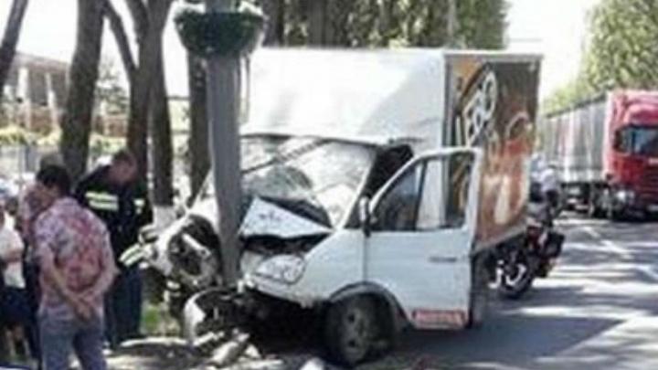 Смертельная поездка: на Шолохова водитель «Газели» умер за рулем