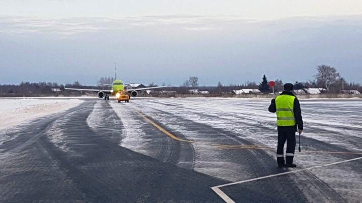 В снегопад Туношна принимала самолёты, которые не могли долететь до своих аэропортов