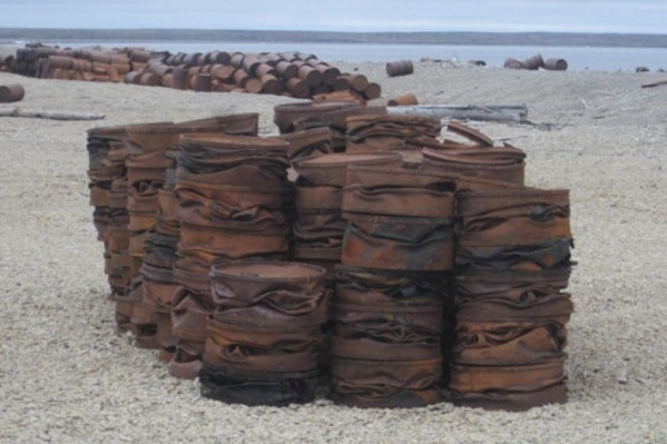 200 тонн составят бочки из-под горюче-смазочных материалов и топлива