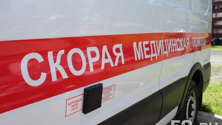 В Перми иномарка сбила 89-летнюю женщину, которая шла вдоль дороги