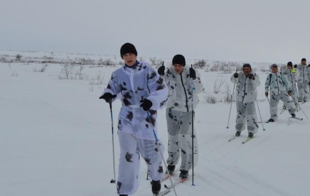 В столицу Поморья на лыжах пришли «Белые медведи»