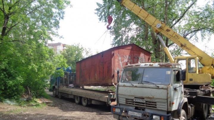 Здесь будет детская поликлиника: в Индустриальном районе Перми демонтируют гаражи