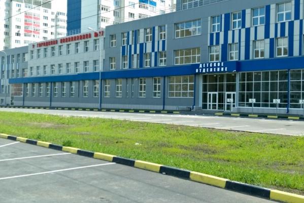 Общая площадь здания нового корпуса поликлиники – 7576,8 кв.метра, включая цокольный этаж