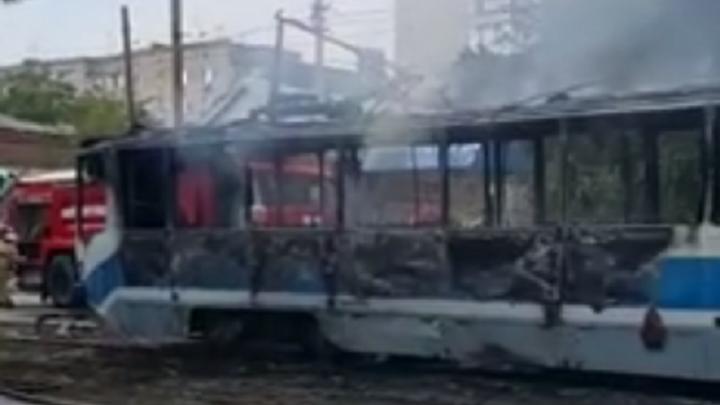 В Новочеркасске дотла сгорел трамвай