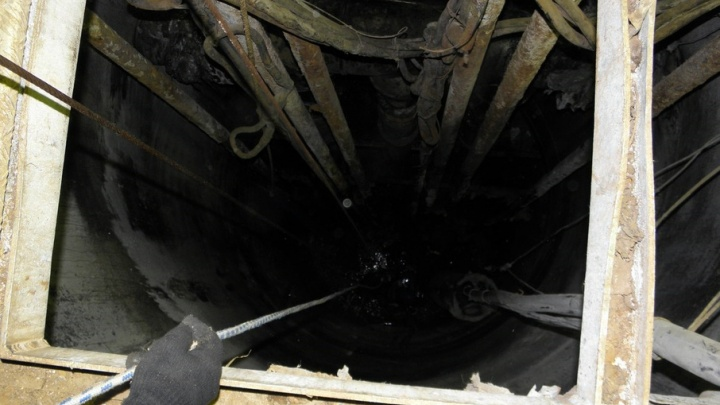 В Тобольске погиб рабочий, упав в канализационный коллектор
