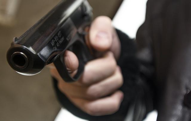 В Ростовской области мужчина выстрелил из травматического пистолета в полицейского
