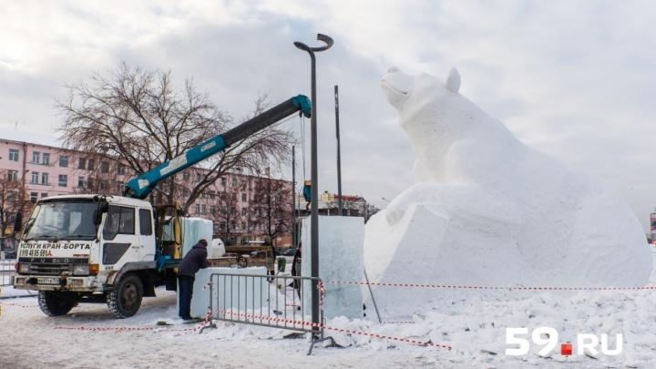 В центре Перми откроется бесплатный каток с трехметровым медведем, торговыми рядами и ёлочкой