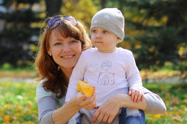 Мастерица сладкого хендмейда Полина Островская со своим младшим сыном