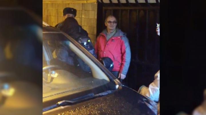 Заехавший в питерское метро на машине ярославец объяснил, зачем это сделал