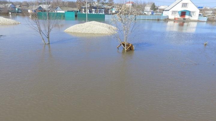 Страшный потоп подпустил жителей Кумылженского района к своим домам
